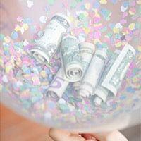 Как подарить деньги в шариках