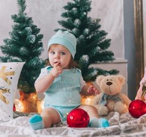 """Набор """"Наша маленькая снежинка"""" носочки, шапочка от 900 руб"""