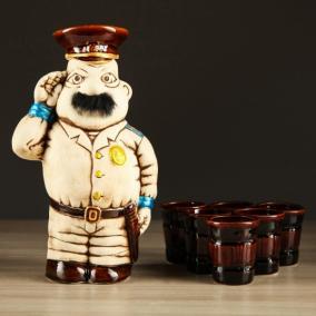 "Штоф ""Полицейский"" с рюмками от 990 руб"