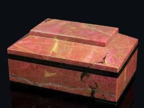 Каменная шкатулка для колец из родонита от 9 600 руб