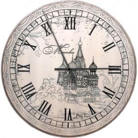 """Часы """"Москва"""", дерев. от 7 000 руб"""
