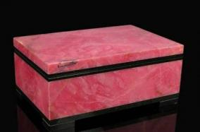 Каменная шкатулка для украшений из родонита от 13 300 руб