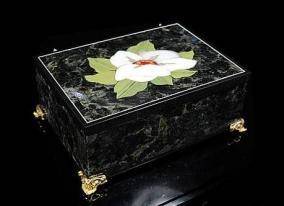 Каменная шкатулка для украшений из яшмы и лабрадорита от 23 970 руб