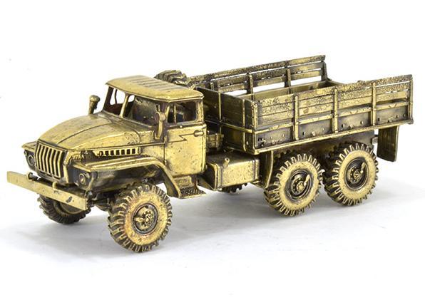 Бронзовая модель армейского грузового автомобиля УРАЛ-4320(1:72) купить