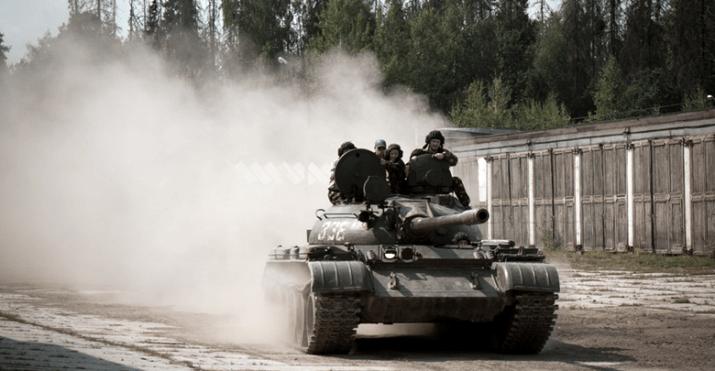 Подарок езда на танке 96
